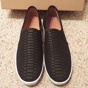 Joie Sneaker