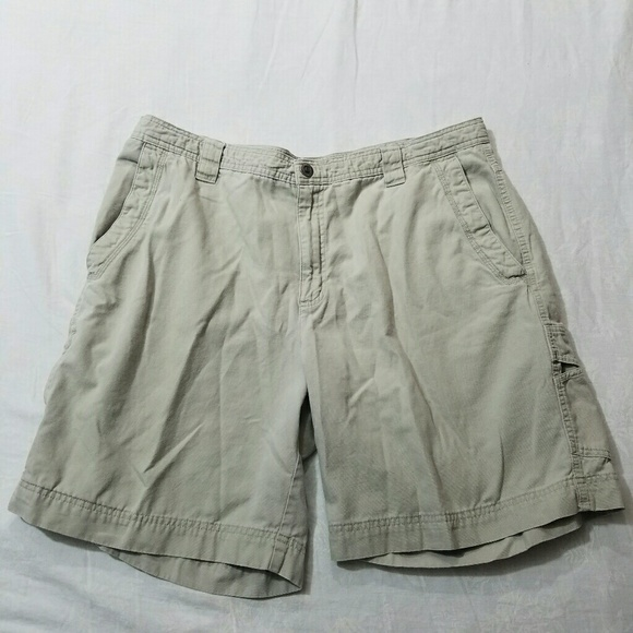 72 off columbia other columbia khaki cargo fishing for Columbia fishing shorts