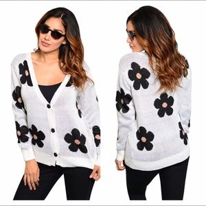 Sweaters - NEW daisy print cardigan knit sweater