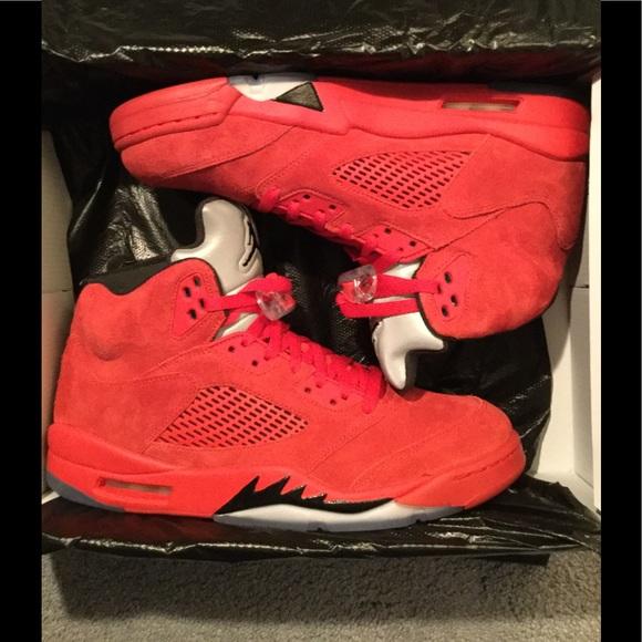 010779e83303 Red Suede 5s. NWT. Jordan
