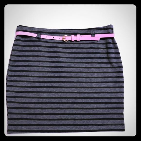Monteau Dresses & Skirts - MONTEAU Gray & Black stripped pencil mini [SK-30]