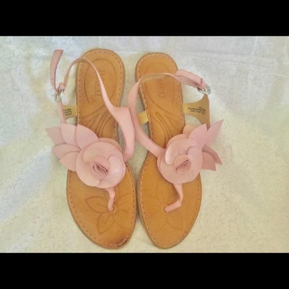 e37d767fa95d05 Born Shoes - BORN Size 9 Light Pink Flower Sandals Shoes