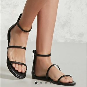 🌺Forever 21 black strapped zip up sandals