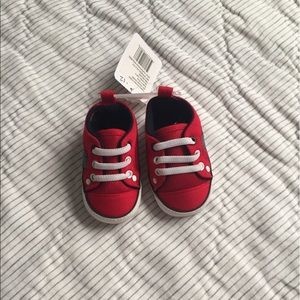 Other - ❤️HP❤️Red/gray pre-walker baby shoes 6-12 months