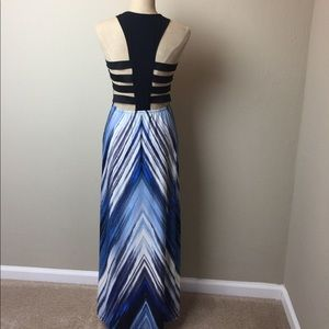 Venus cage back stretch print maxi dress