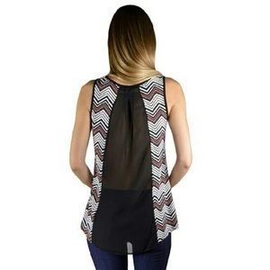 ✨ HP ✨Beautiful Chevron tank top