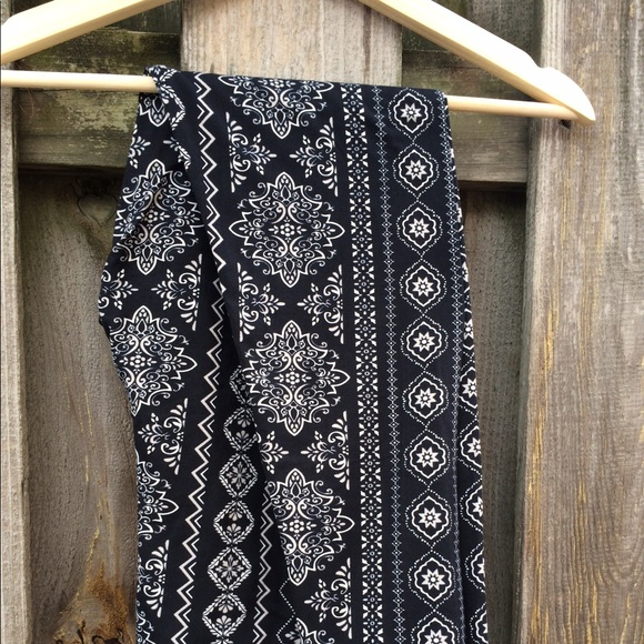 42bc56ff315e33 Eye Candy Pants | Leggings Med Jr Black Nwt | Poshmark