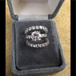 Jewelry - 🔥NWOT!!Stunning CZ three-piece bridal set!!💕