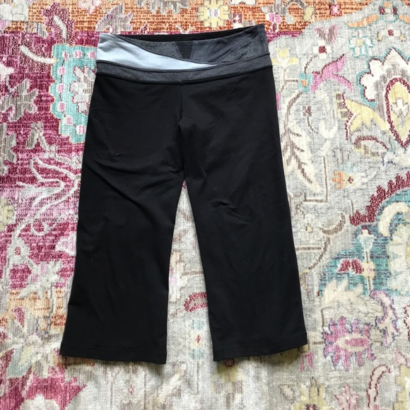 lululemon athletica - Lululemon cropped reversible yoga ...