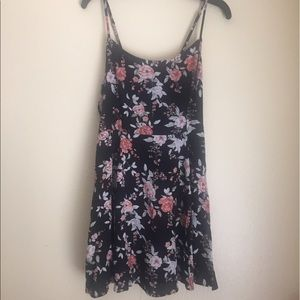 Forever 21 floral laceup dress