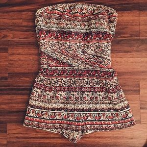 NWT Forever 21 Strapless Romper w/ Pockets Size M