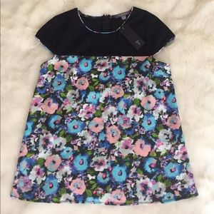 NEW- Beautiful Floral Top