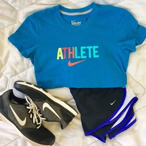 Nike dri-fit teal tee