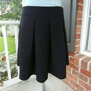 NWT H&M textured black pleated skirt sz 14