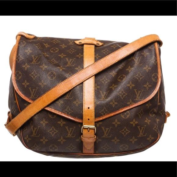 84cd34cfecdd Louis Vuitton Handbags - Louis Vuitton Monogram Canvas Saumur 35 Messenger