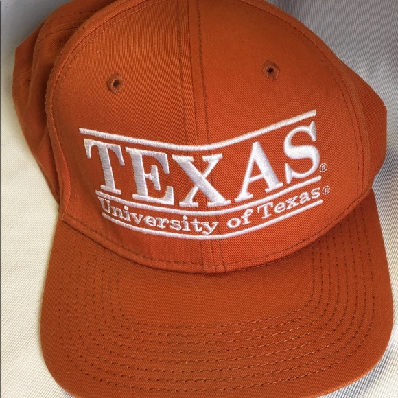 20843ebd326 Majestic Other - Vintage 3 Bar University or Texas Snapback Hat
