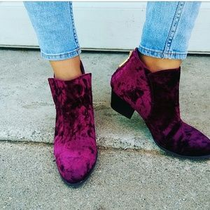//The Madison// Burgundy velvet ankle booties
