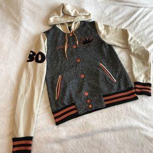 Stüssy lettermans style jacket.