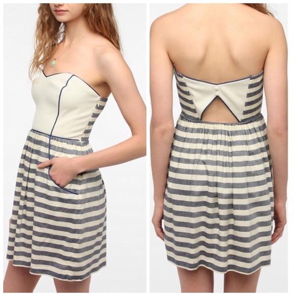 2e8635769ae91 UO Kimchi Blue Striped Strapless Dress Small. M_5967eaa178b31c6c46002775