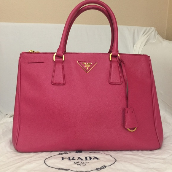 fd99b39f68c8 Prada pink saffiano double zip tote -Authentic. M_5967f5a436d594818700455b