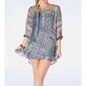 Tops - 🎉HP Miilla Tribal print tunic with tank blue whit