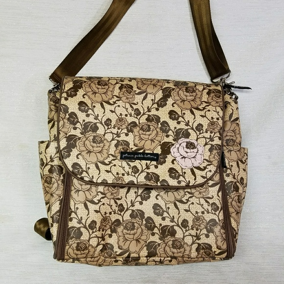 petunia pickle bottom petunia pickle bottom boxy canvas diaper bag from amy 39 s closet on poshmark. Black Bedroom Furniture Sets. Home Design Ideas