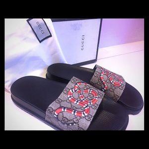 Gucci Shoes - Gucci Pursuit Snake GG Supreme Sandal 9b4cec7d2