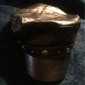 UBi Bronze Cap with Studs