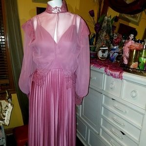 Vintage Victorian 70's/ 2 Piece Pink Pleated Dress
