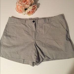 GAP khaki summer shorts