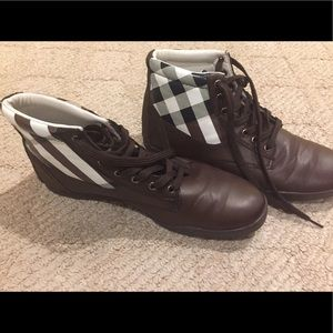 Other - Comfortable dark brown shoes Size 8.5