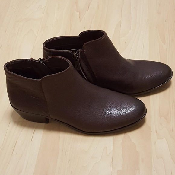 9d06ab6ef9ff Petty dark brown leather booties. M 59687955291a35b193028ab6