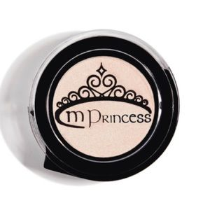 🌺mPrincess Eyeshadow-Free with $10 purchase