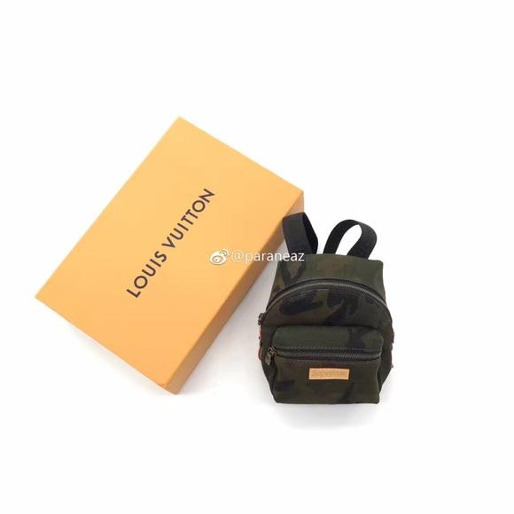 4fd03e743438 louis vuitton lv x supreme mini backpack