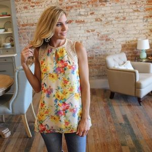 Floral lace detail top with lining