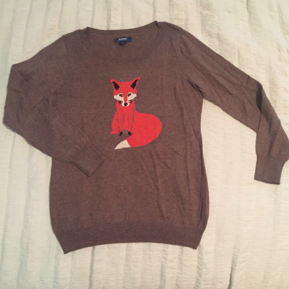 Old Navy Sweaters - Old Navy Fox Front light sweater