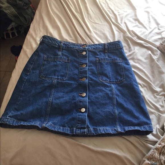 real deal great look special selection of H&M divided denim skirt