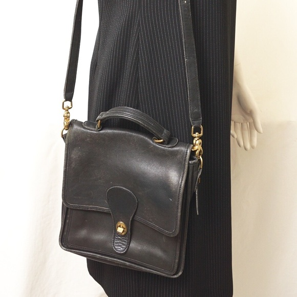 7b8dacd45990 Coach Handbags - COACH WILLIS VINTAGE CROSSBODY BAG