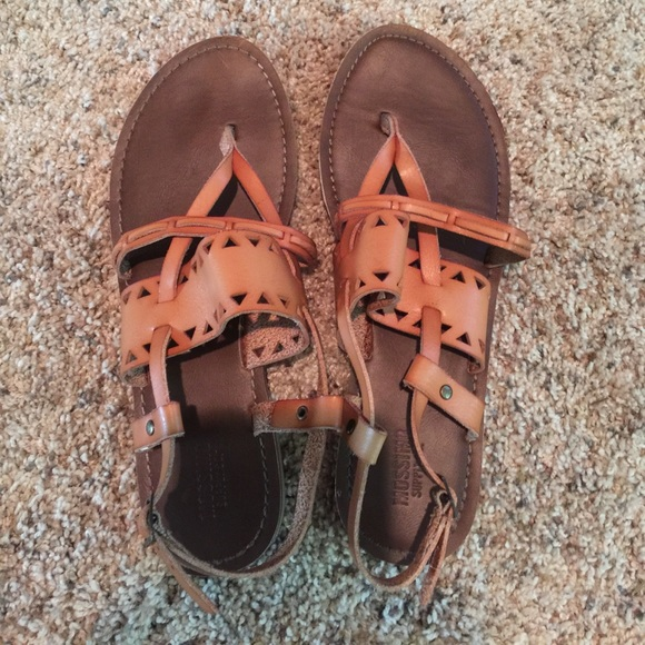 0c340474f45 Mossimo Supply Co Woman s Sonora Thong Sandals. M 5968ead9620ff7fbc7039eed