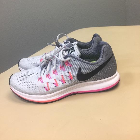 Women's Nike Pegasus 33! Size 8