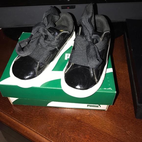Toddler Girls Basket Heart Patent Puma Sneakers. M 597090dc4127d0d9a901763a 8025c823a