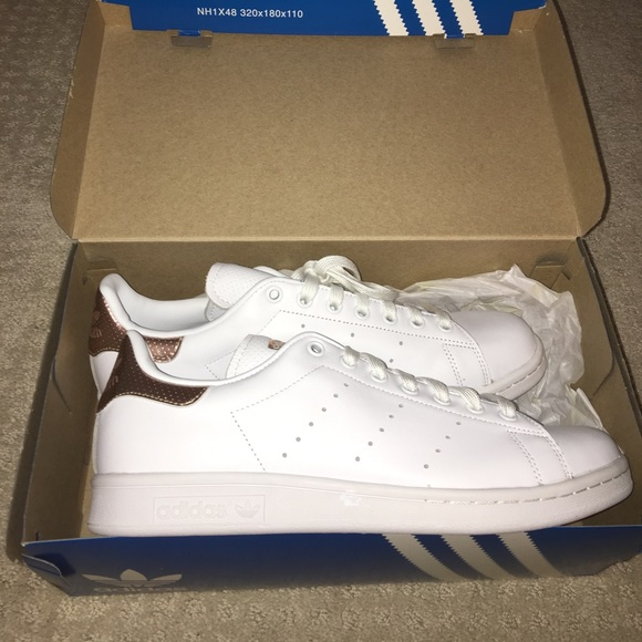 Adidas zapatos Brand New Rose Gold Stan Smith poshmark