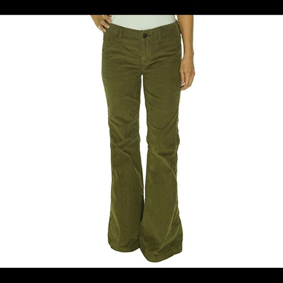 Men's Corduroy Pants by Arizona Jeans! Rectangle detail on front! Color: Olive green Carpenter pockets! Great condition! 34X32 Great outdoor or work pants.