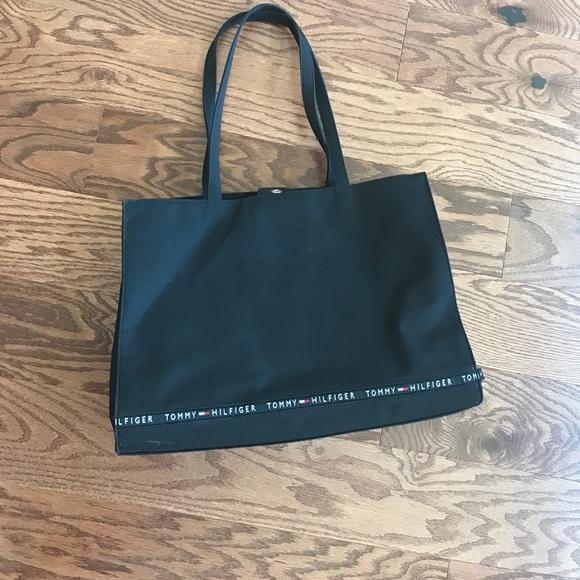 79 off tommy hilfiger handbags authentic tommy hilfiger vintage tote bag from highheels 39 s. Black Bedroom Furniture Sets. Home Design Ideas