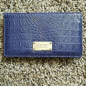 NWOT Nine West Checkbook Wallet *Lowest*