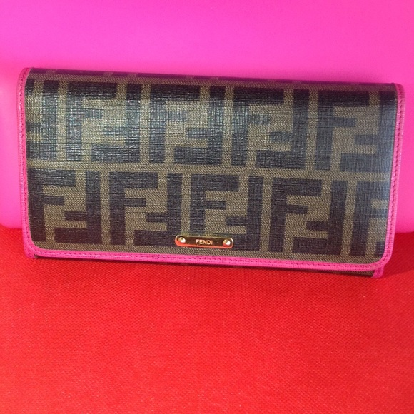 7f1cd9f25e Fendi Handbags - 💖💯FENDI Authentic Zucca Wallet with dust bag💝