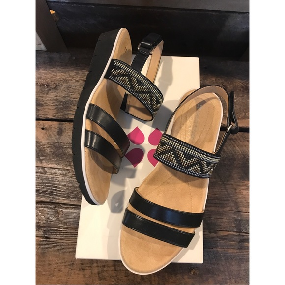 f91b900db13a 🆕--Naturalizer Sandals