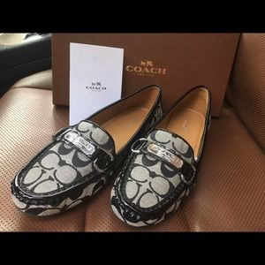 01d25fc2941c0 ... SOLD Nearly new authentic Coach Felicia loafers ...