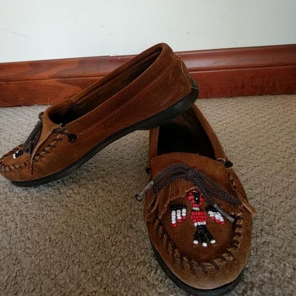 8a80d85126f8 Minnetonka moccasin thunderbird leather beaded. M 59693cddf0137da5af001e38