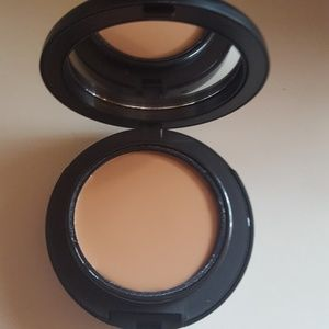 MAC Cosmetics Makeup - MAC Studio Tech Foundation NW33